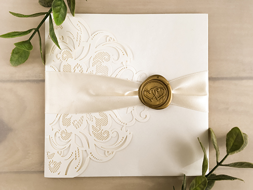 Wedding Invitation lc134: Cream Smooth, Antique Ribbon