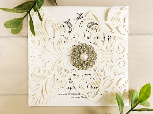 Wedding Invitation lc24: Brooch/Buckle A6