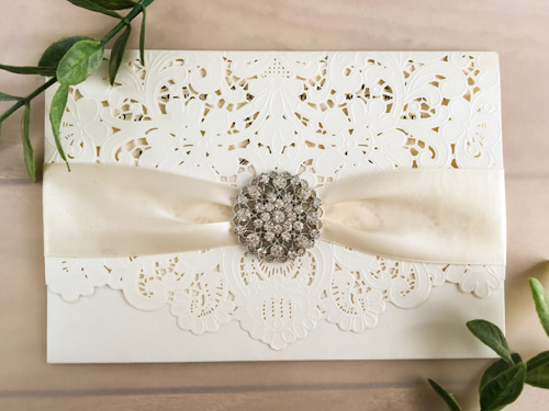 Wedding Invitation lc52: Cream Smooth, Antique Ribbon, Brooch/Buckle X