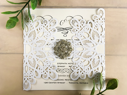 Wedding Invitation lc55: Cream Smooth, Brooch/Buckle A17