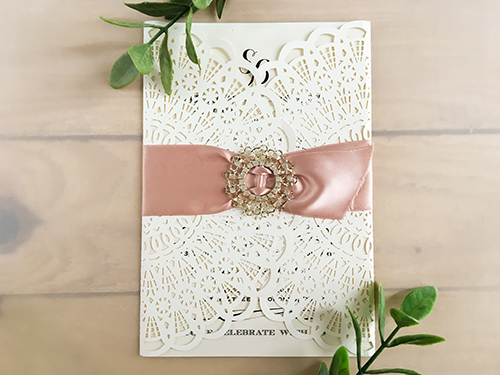 Wedding Invitation lc67: Antique Ribbon, Brooch/Buckle R