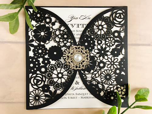 Wedding Invitation lc71: Cream Smooth, Brooch/Buckle A9