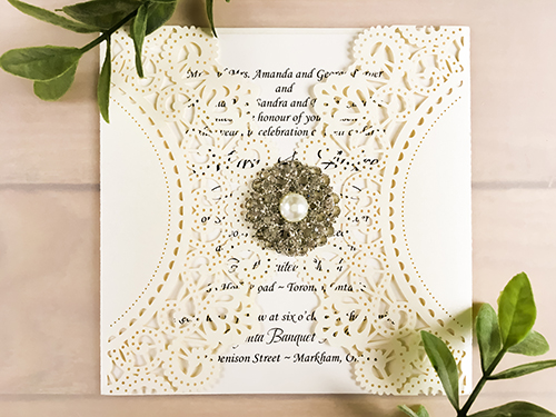 Wedding Invitation lc87: Cream Smooth, Brooch/Buckle A6