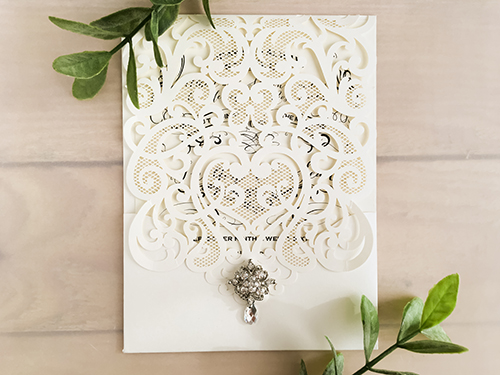 Wedding Invitation lc91: Brooch/Buckle A8