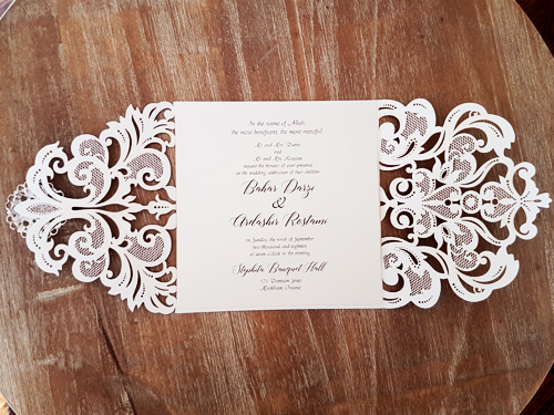 Wedding Invitation mb23: Cream Smooth, Brooch/Buckle A6